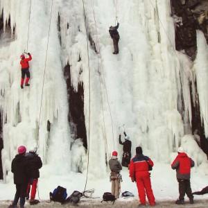 Bilde av kurs i isbreklatring, arrangert av foreningen