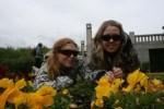 Cathrine og Julianne i Vigelandsparken.