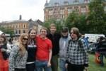 Cathrine, Julianne, Mikael, Gaute (programleder på farmen), Anders og Sindre.