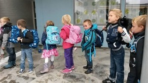 Første skoledag - still opp på rekke